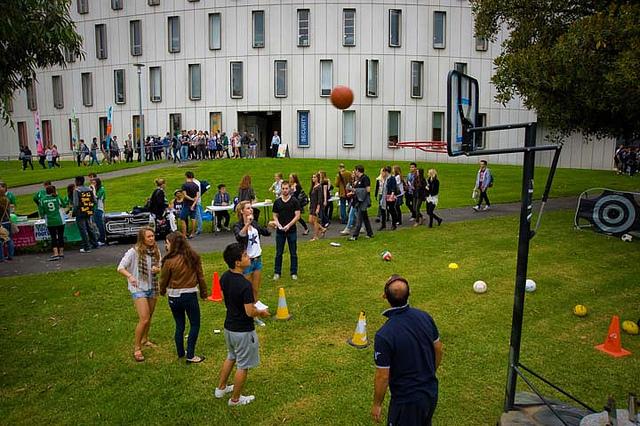 kuliah di deakin university australia
