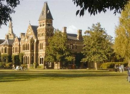 agen trinity college