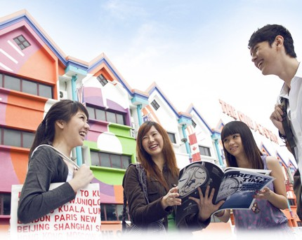 biaya kuliah di the one academy malaysia