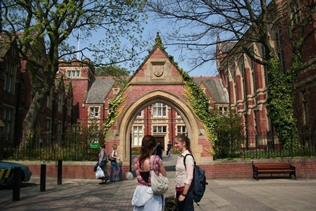 Kuliah di University of Leeds UK6