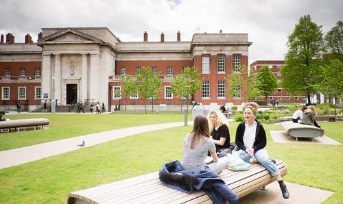 biaya kuliah di university of manchester uk terbaru