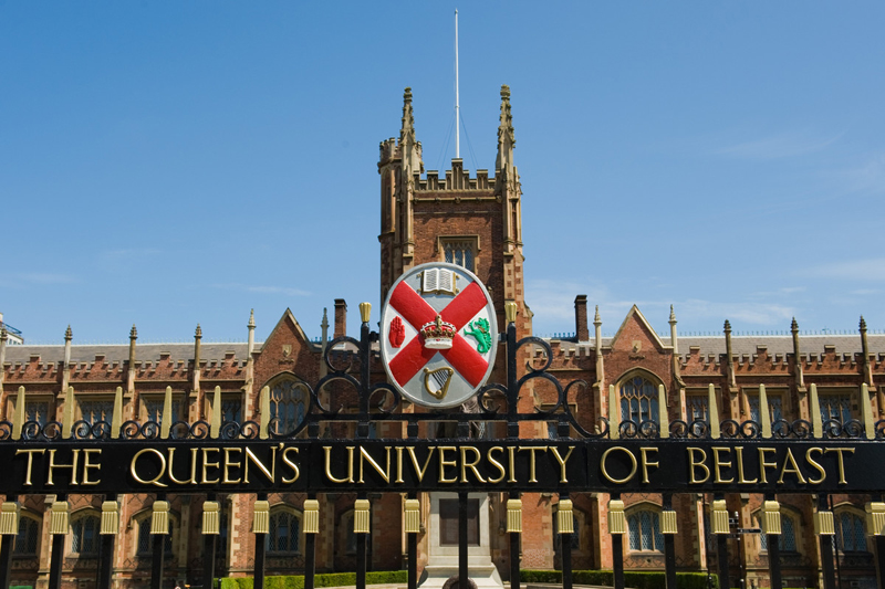 kuliah di queens university belfast