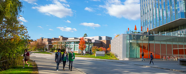 biaya kuliah di university of waterloo