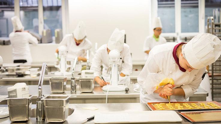 biaya kuliah di Culinary arts academy swiss