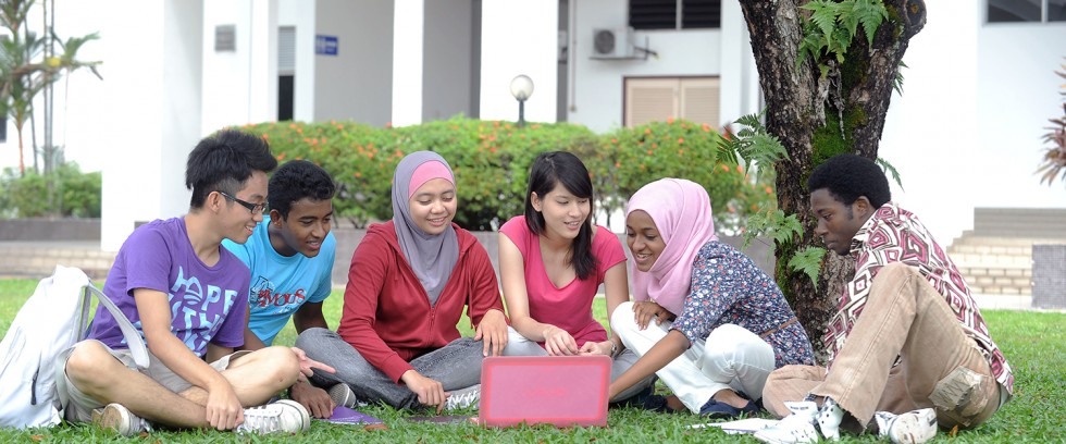 Biaya kuliah di IUKL university malaysia