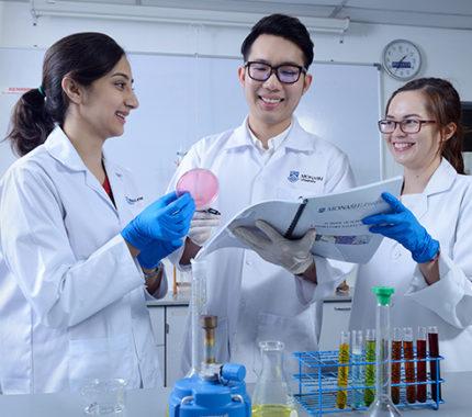 Kuliah Jurusan Farmasi di Monash University Malaysia